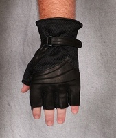Tm_gel_cruiser_2_fingerless_glove_front