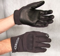 As_c-1_windstopper_glove_primary