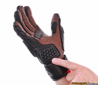Revit_sand_3_gloves-4