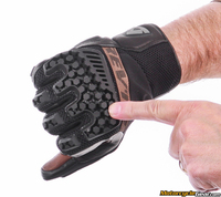 Revit_sand_3_gloves-5