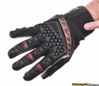 Revit_sand_3_gloves-6