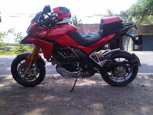 Multistrada_1200_with_axio