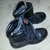 Alpine_black_label_boots1