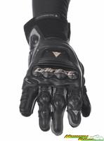 Steel_pro_in_gloves-3